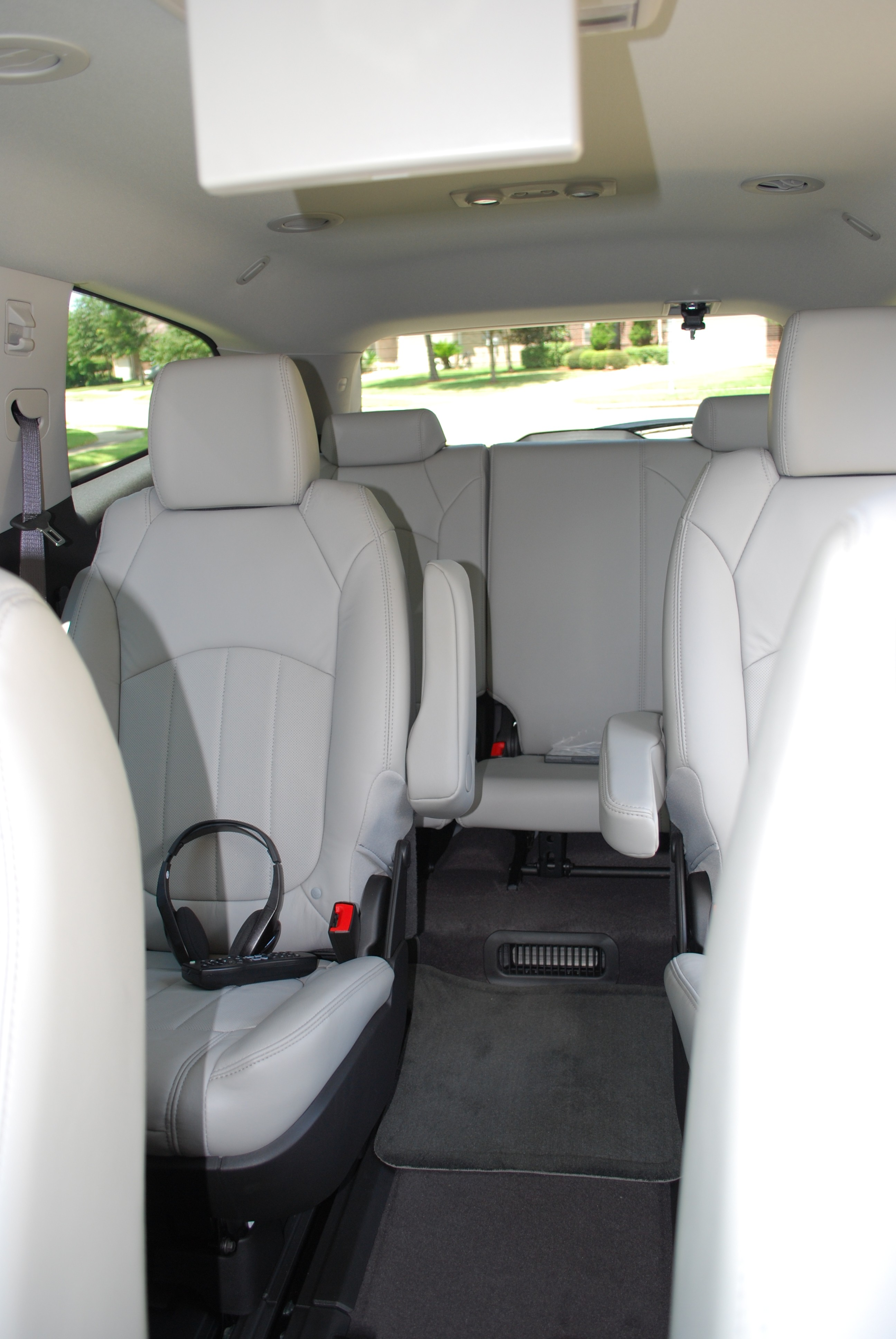 Pics For Chevrolet Traverse 2010 Interior